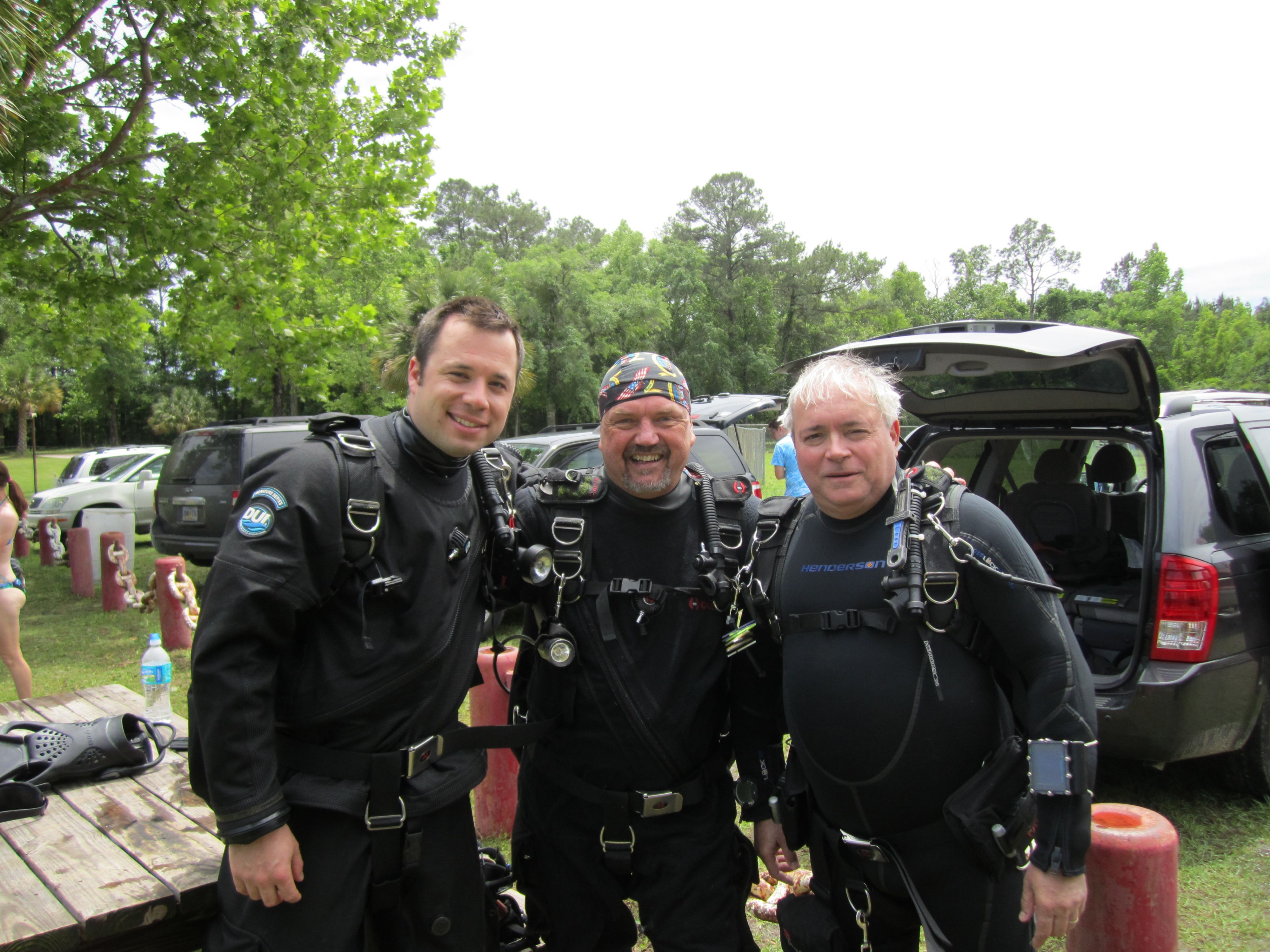 PADI Sidemount diver specialty course with Action Scuba Montreal