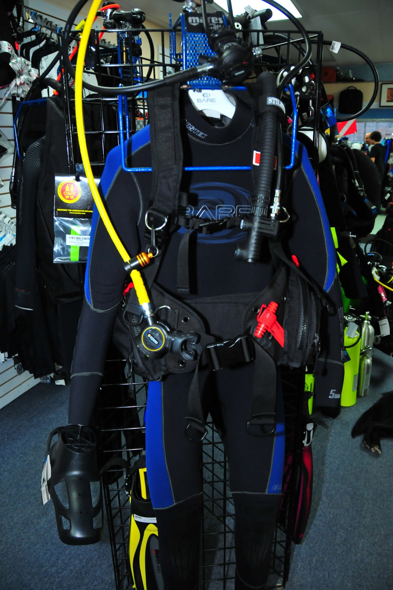 Montreal diving action scuba padi equipment specialist for Scuba dive equipment